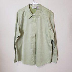 Liz Claiborne Non Iron Green Button Down Shirt